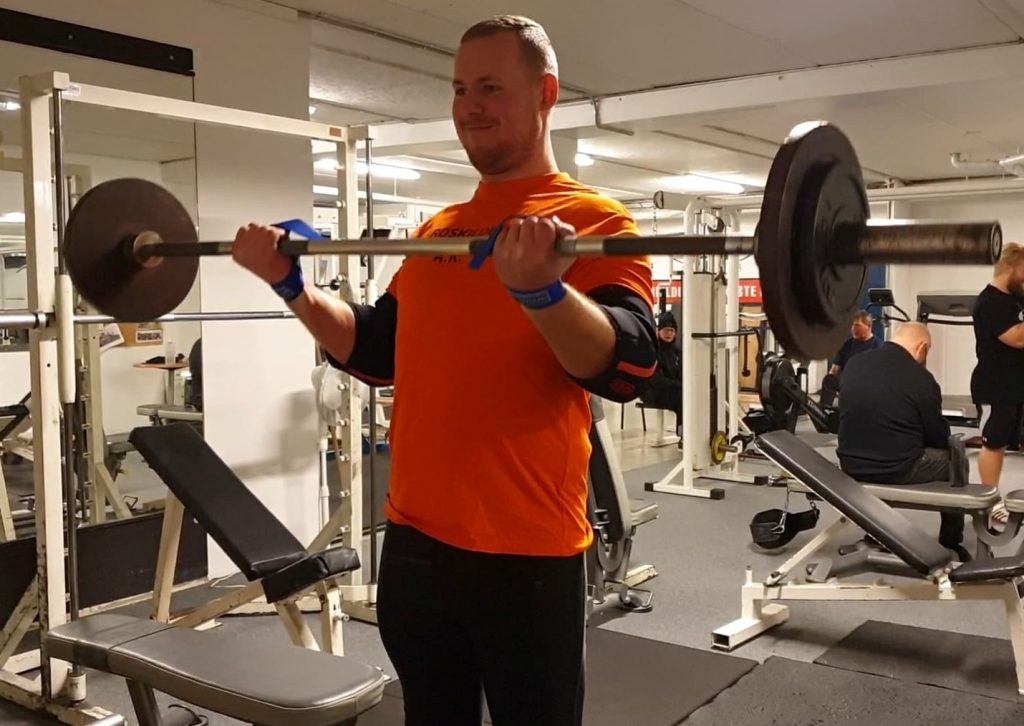 motion biceps Bugge